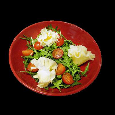 Популярное блюдо в ресторане швейцарской кухни Le Komora - Салат Mont-Soleil