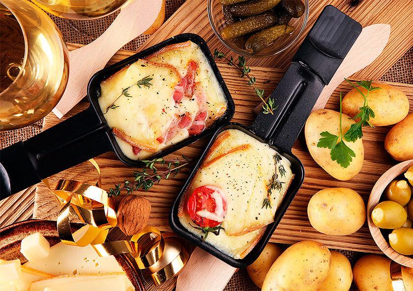 Швейцарский сыр в формате раклета